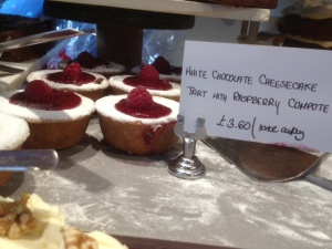 White Chocolate Cheese Cake Tart with Raspberry Compote